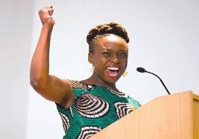 """Chimamanda Adichie: nigeriana, escritora y luchadora contra """"la historiaúnica"""""""